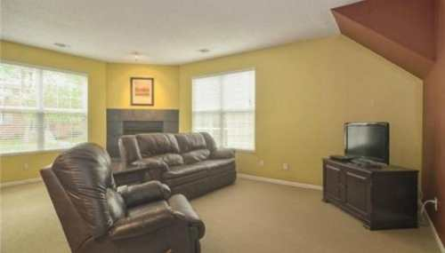 DESIRED WESTPORT TOWNHOME 2BR/2.5 BATH