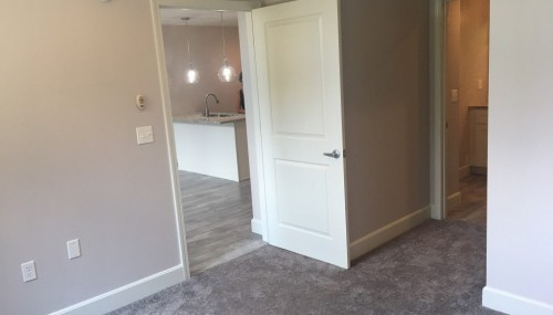 Gorgeous, and nearly brand new 1bed 1 bath condo for rent with a view in Kansas City, MO!