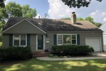 Beautiful 3 bedroom, 2 bath home with a great location in Prairie Village, KS!